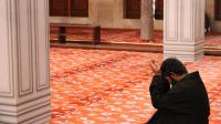 Zikir dan Doa Setelah Shalat Fardhu : Pengertian, Hikmah, Bacaan dan Tata Cara.