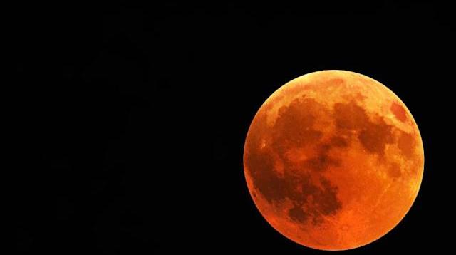 riset gerhana bulan