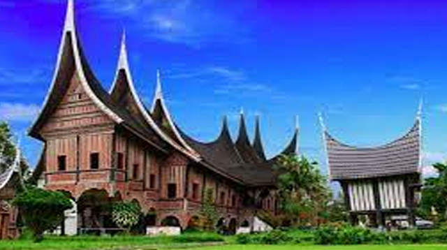 Kebudayaan Suku Bangsa Minangkabau : Kepercayaan, Kekerabatan, Politik, Ekonomi dan Kesenian