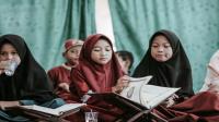 Surah Al-Furqan Ayat 45-50 : Bacaan, Terjemah, Mufradat dan Isi Kandungan